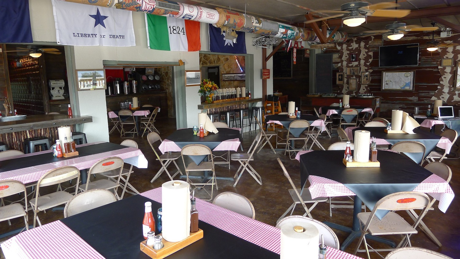 A view of the dining room at Old 300 BBQ